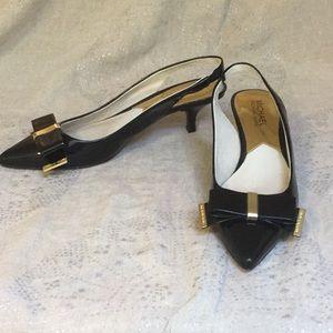 Michael Kors patent bow kitten heels size 7